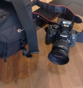 Камера Canon EDS 650D