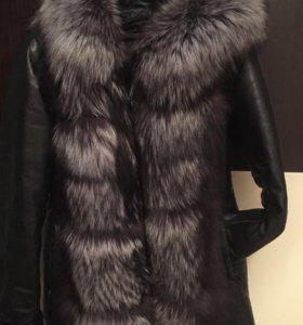 Зимняя куртка с лисой