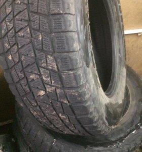 Продаю шины Bridgestone Blizzak 255/65 r-17,торг