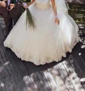 Свадебное платье,не дорого