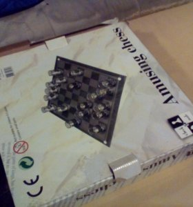 Стеклянные шахматы рюмки