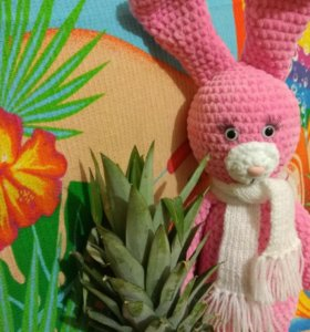 Заяц плюшевый