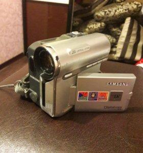 Видеокамера Samsaung VP-D351i