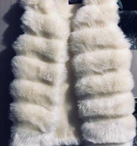 Меховая жилетка