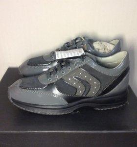 Новые Geox 35 размер кожа кроссовки
