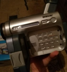 Видеокамера кассетная sony easy handycam