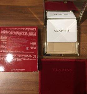 Компактная минеральная пудра Clarins