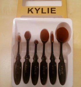 Набор кистей-щеточек Kylie