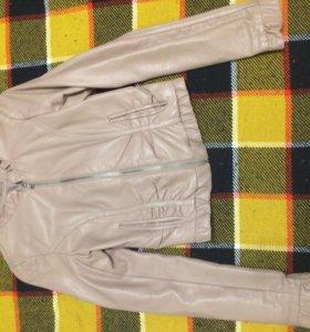 куртка кожзам б/у размер 38-40