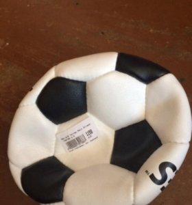мячи волейбольные и футбольные