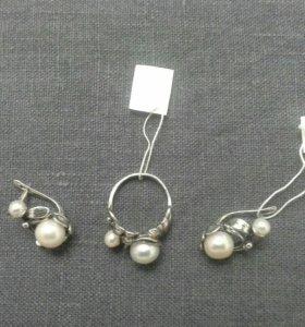 Кольцо и серьги с жемчугом
