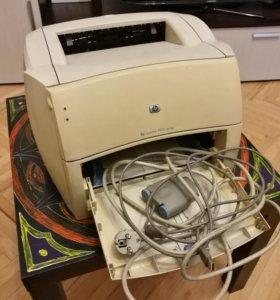 Лазерный принтер HP LaserJet 1000w + картридж