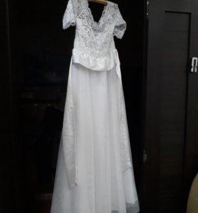 Продам свадебное платье на резинке, с поясом.