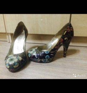 Туфли Loriblu 36-37 размер