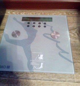 Весы новые.