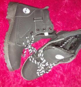 Новые зимние ботинки размер 37
