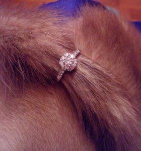 Серебряное кольцо с сапфирами