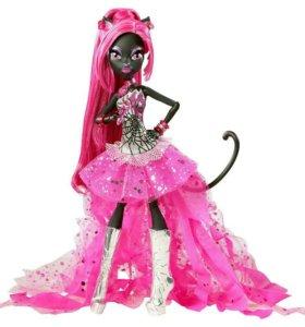 Кукла Кэтти Нуар из Monster High