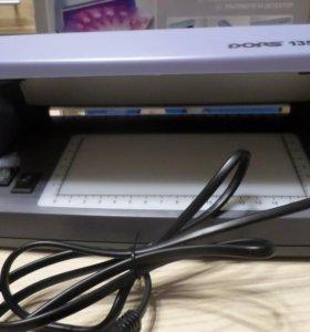 Ультрафиолетовый детектор купюр . Новый.