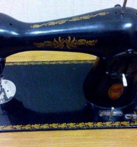 Швейная машина Подольск ножная