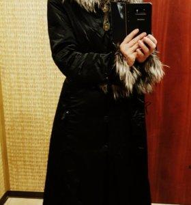 Клевое зимнее пальто с мехом чернобурки!!!