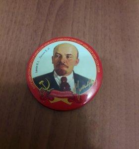 Значок Ленин В.И. большой круглый