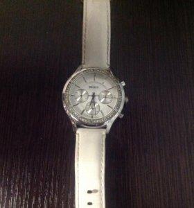 Продаю оригинальные женские часы DKNY NY 8253