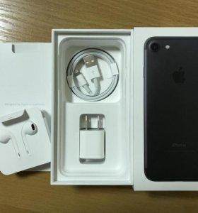 iPhone 7 32 gb черный.