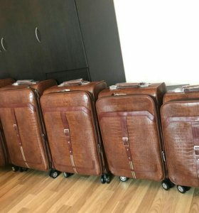 Комплект чемоданов impreza
