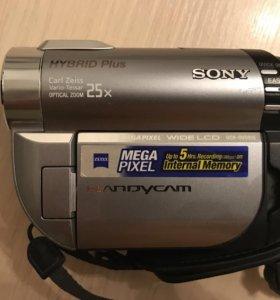 Видеокамера Sony Hybryd Plus