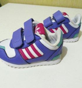 Кроссовки adidas, р-р 19