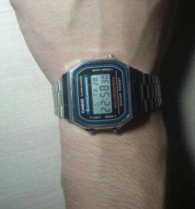 Часы электронные CASIO(оригинал)