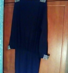 Платье со стразами ,новое.46 рр