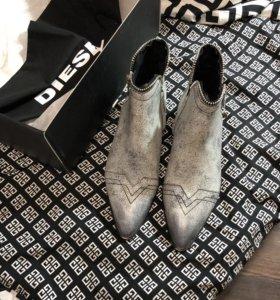Новые кожаные ботинки Diesel, 40 размер