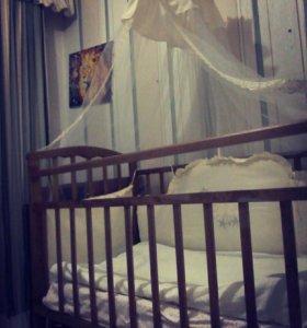 Детская кроватка,камод,комплект в кроватку,матрас