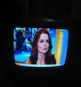 Продаю телевизор элджи в отличном состоянии