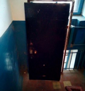 Дверь металическая б/у