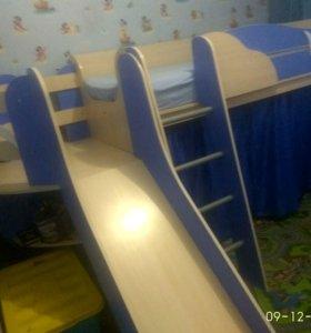 Детская 2-х этаж. кровать с игровой зоной, горкой