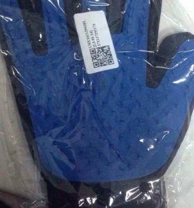 True Touch перчатка для вычёсывания шерсти