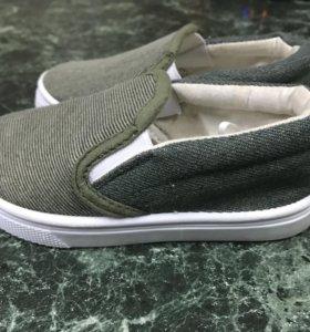 Обувь для мальчика или девочки новая