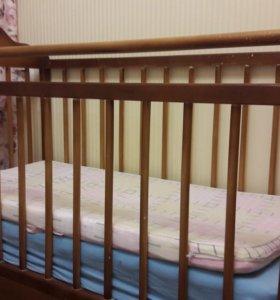 Кровать детская до 3 лет. Из натурального дерева.