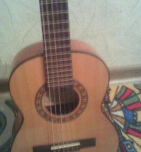 Классическая гитара. Размер 1/8.