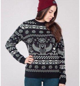 Шерстяные вязаные свитера