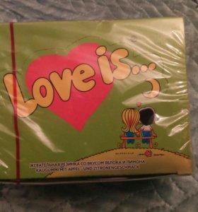 Жвачка love is 😍