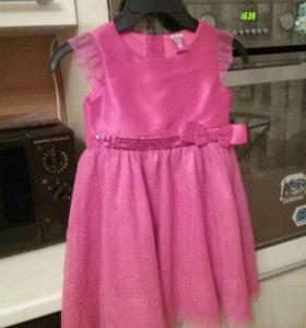 Нарядное платье от3 до 5лет