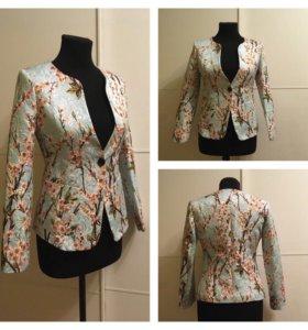 Новый жакет пиджак блейзер с сакурой