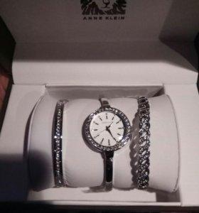 Часы Anne Klein с браслетами