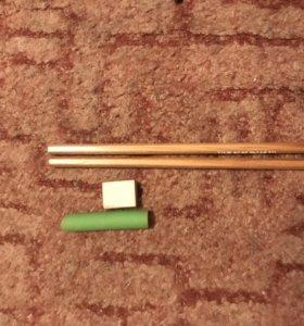 2 карандаша и 2 ластика