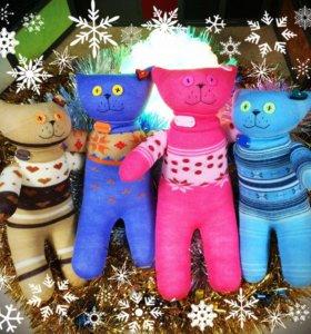 Мягкие игрушки котики