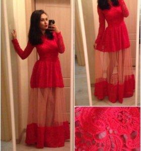 Платье красное кружевное в пол